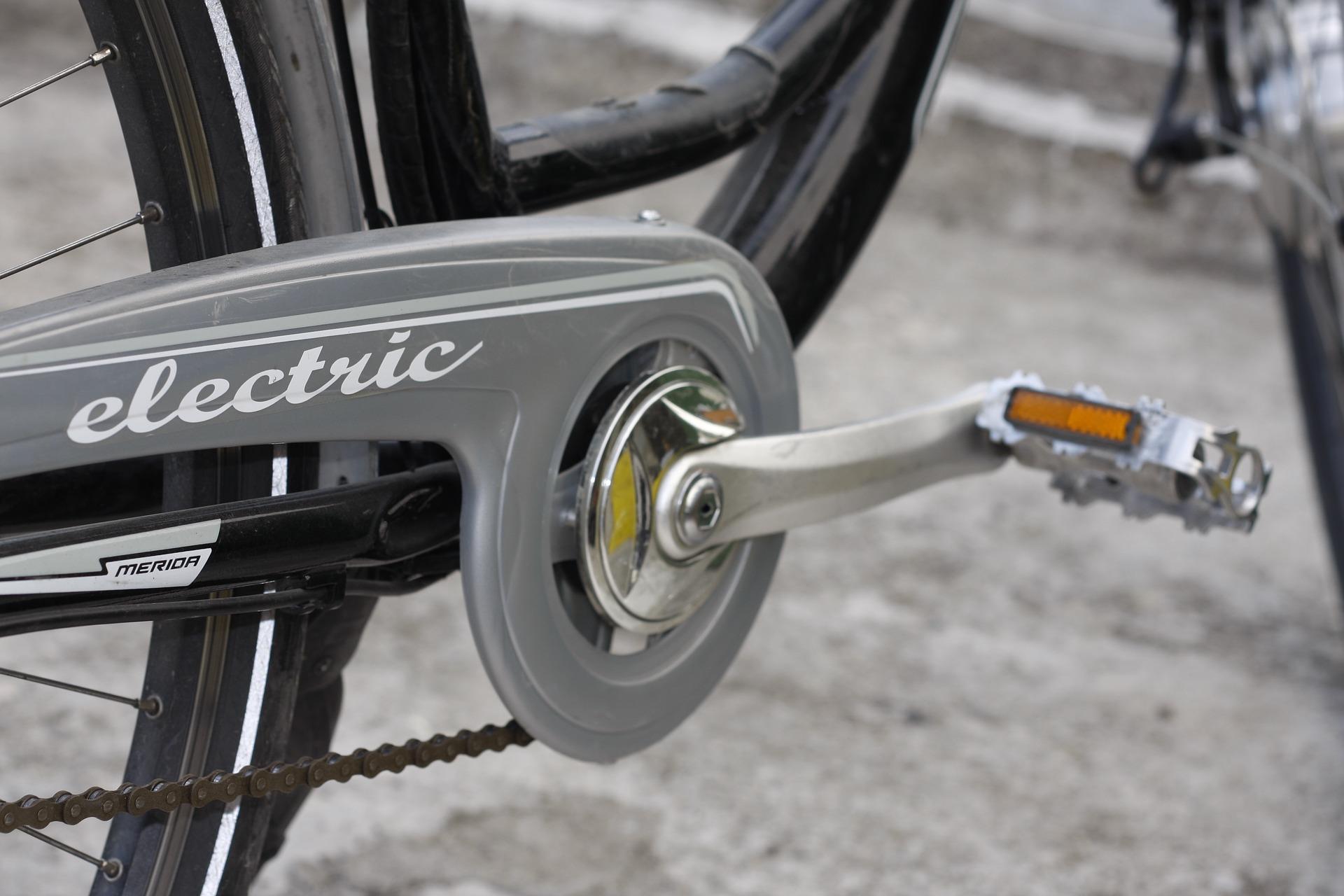 Bicicleta elétrica x bicicleta comum: qual a diferença?