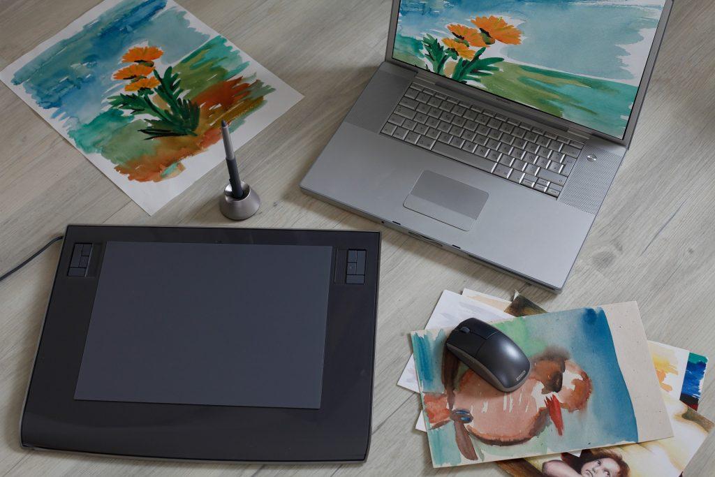 Desenhos feitos na mesa digitalizadora e no papel - O que é uma mesa digitalizdaora?