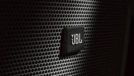 Comprar caixa de som JBL